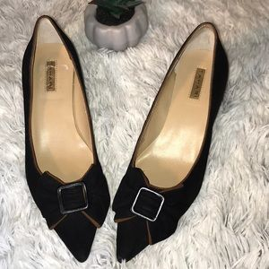 Tahari Shoes - Tahari | Pointed toe Bow kitten heels Sz 6 EUC